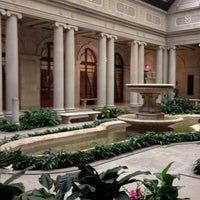 Foto diambil di The Frick Collection oleh Hanh V. pada 1/31/2012