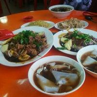 Photo taken at Sin Fong Restaurant 新峰餐室 by 芷晴 f. on 8/26/2016
