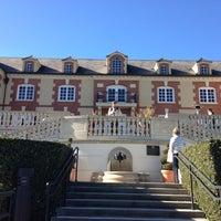 Foto diambil di Domaine Carneros oleh Elina pada 12/27/2012