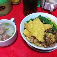 Photo taken at Mie Ayam Keriting Hj.Nova by Mey I. on 6/7/2014