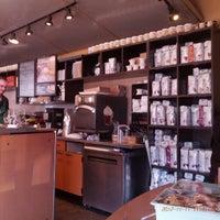 Photo taken at Starbucks by zeusmannj on 11/11/2012