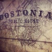 Das Foto wurde bei Bostonia Public House von Kim S. am 7/4/2014 aufgenommen