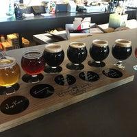 3/4/2018 tarihinde Michelle D.ziyaretçi tarafından Tenaya Creek Brewery'de çekilen fotoğraf