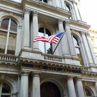 Foto tirada no(a) Old City Hall por Bo S. em 9/22/2012