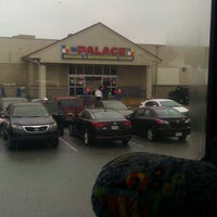 Photo taken at Palace Bowling & Entertainment Center by Raymond T. on 2/23/2013