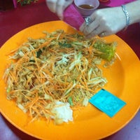 Photo taken at Restoran Sin Kuang by Iven T. on 2/25/2013