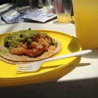 Foto tirada no(a) Tacos Hola! por Claps n' Claps (Daz) em 4/9/2013