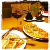 Снимок сделан в Pasta Project & Umami пользователем Inna M. 10/17/2012