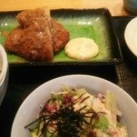 Photo taken at 魚串 然 by Yoshiteru T. on 8/10/2015