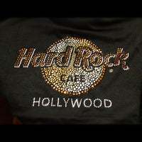 Photo taken at Hard Rock Cafe Hollywood on Hollywood Blvd by 〽️iguel Q. on 10/12/2012