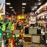 Photo taken at Guitar Center by 〽️iguel Q. on 7/17/2013