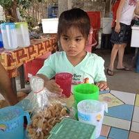 Photo taken at ส้มตำไร้ชื่อ by Khomkrit K. on 3/1/2014