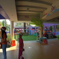 Photo taken at โรงเรียนอนุบาลสร้างสรรค์ by Khomkrit K. on 12/30/2014