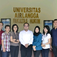 Photo taken at Gedung B Fakultas Hukum UNAIR by Edelweisia C. on 3/11/2014
