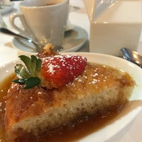 Photo taken at Bistro Sous-Le-Fort by Louise Z. on 3/4/2017