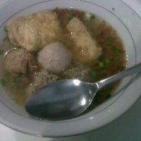 Photo taken at Bakso Sumsum Cak Hadi by claudia j. on 9/25/2013