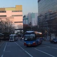 Photo taken at 삼성전자 K1 통근버스 승강장 by Hyuk S. on 2/2/2015