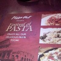 Photo taken at Pizza Hut by Kareshma J. on 3/30/2013