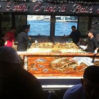 4/13/2013 tarihinde Atillaziyaretçi tarafından Tarihi Eminönü Balık Ekmek'de çekilen fotoğraf