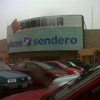 Foto tomada en Plaza Patio por Edgar S. el 9/17/2012