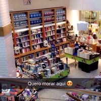 Photo taken at Livrarias Curitiba by Andreia A. on 4/16/2017