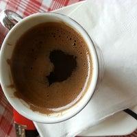 Photo taken at Mavi Beyaz Restaurant Cafe Bar by zıpzıp . on 3/23/2014