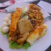 Photo taken at Restaurante Sabor a Mi by Bruna S. on 9/30/2012