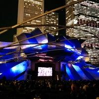 รูปภาพถ่ายที่ Jay Pritzker Pavilion โดย Anas A. เมื่อ 10/11/2013