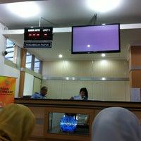 Photo taken at Kantor Imigrasi Kelas I Bandung by Sally P. on 12/27/2012