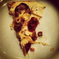 Foto tirada no(a) Super Pizza Pan por Carol C. em 11/25/2012