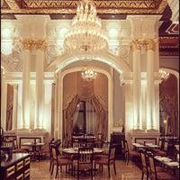 Foto tomada en Imperium Restaurant - Jumeirah Zabeel Saray por Joel C. el 12/20/2012