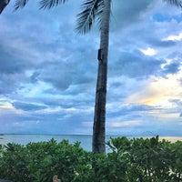 Photo taken at Le Méridien Koh Samui Resort & Spa @ Pool Bar by Joel C. on 9/27/2015