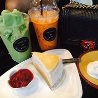 Photo taken at Coffee Me Wine by Chitʅ(´◔౪◔)スパチャイチット。 on 7/18/2015