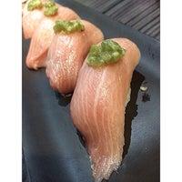 Foto tomada en Shoten Sushi por Chitʅ(´◔౪◔)スパチャイチット。 el 12/23/2014