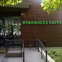 Photo taken at Starbucks by Indra R. on 6/10/2013