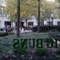 Foto tirada no(a) Big Buns por nicole em 11/10/2012