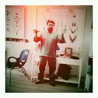 Foto tomada en Rododendron Art & Design Shop por magyarhangya h. el 10/11/2012