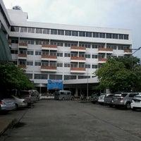 รูปภาพถ่ายที่ Siam Thani Hotel โดย จิรชน ต. เมื่อ 5/2/2014