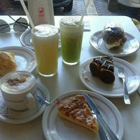 Photo taken at Confeitaria Jauense by Juliana G. on 11/11/2012