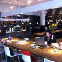 Foto tomada en Nationale-Nederlanden Douwe Egberts Café por Vincent T. el 3/29/2013