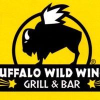 Foto diambil di Buffalo Wild Wings oleh Victor 🌴 M. pada 6/4/2016