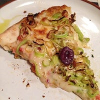 Photo taken at Atobá - Pizza & Bar by jo r. on 10/26/2014