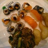 10/21/2012 tarihinde Fuku U.ziyaretçi tarafından Hakka Sushi'de çekilen fotoğraf