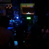Foto tirada no(a) Pub 13 - Rock e Lounge por Jaqueline F. em 2/12/2016