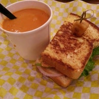 Photo taken at Gooeyz Grilled Cheese by Kat L. on 2/2/2013