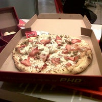 Photo taken at PHD Pizza Hut Delivery by Juan Francisco L. on 11/1/2012