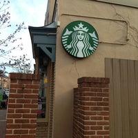 Photo taken at Starbucks by Melvin Bossman R. on 4/8/2013