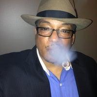Foto scattata a Civil Cigar Lounge da Melvin Bossman R. il 3/3/2013