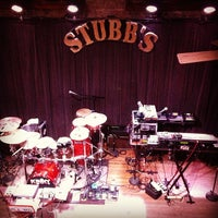 Foto tirada no(a) Stubb's Bar-B-Q por Mark D. em 12/18/2012