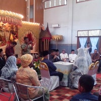 Photo taken at Kantor Kecamatan Cipondoh by Rachmat D. on 9/1/2013